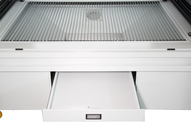 Deep Collecting Bay and Pick-Up Drawer